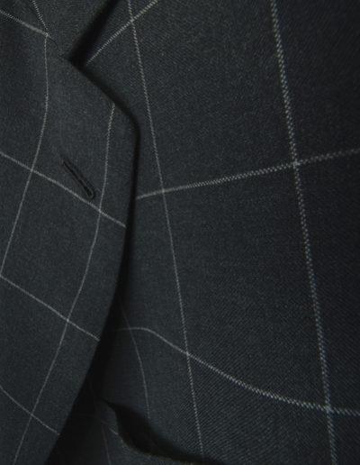 abiti-giacca-nero-quadrettoni-dett