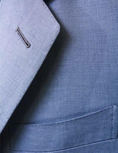 abiti-giacca-rever-blu-elegante-dettaglio