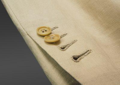 abiti-giacca-marronechiaro-dettbottoni